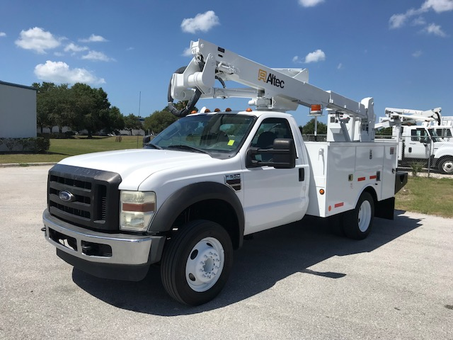 Stock # 01372 2009 Ford F550  42ft Articulating - Telescopic Bucket Truck
