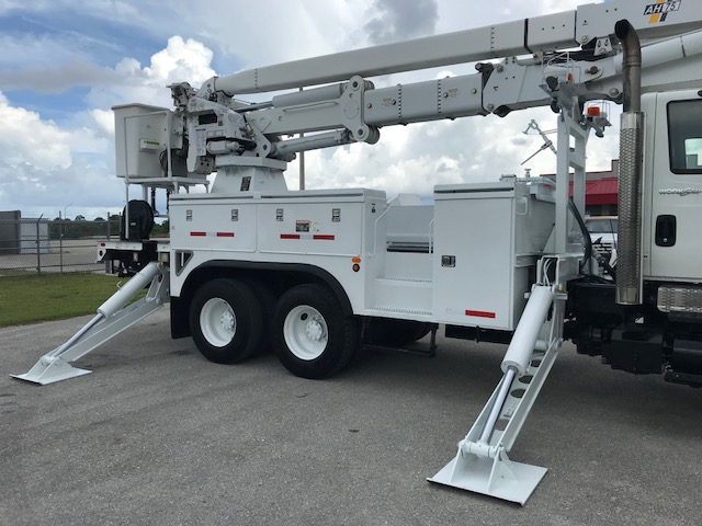 Stock # 93480 2009 International 7400 75 ft 6x6 Bucket Truck