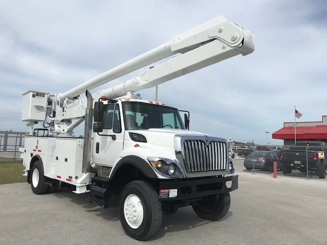STOCK # 17271  2009 INTERNATIONAL 7300 4X4 60FT BUCKET TRUCK **SPECIAL PRICE** $39,850.00