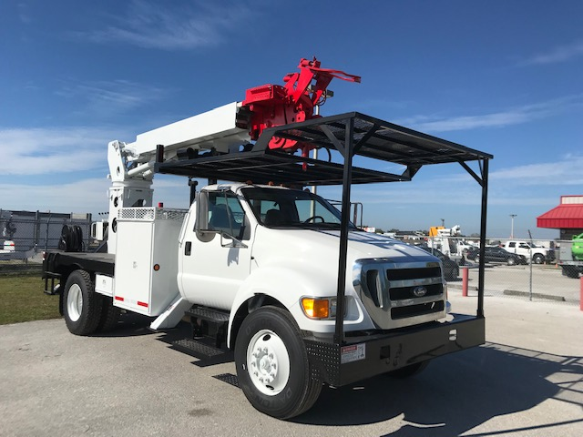 ** SPECIAL **  STOCK # 76440  2010 FORD F750 FLATBED DIGGER DERICK