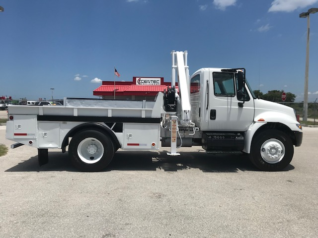 K # 21806  2007 INTERNTIONAL 4300 8300LB  35FT  KNUCKLE BOOM
