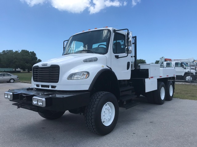 STOCK # 08381  2004 FREIGHTLINER 6X6 FLATBED