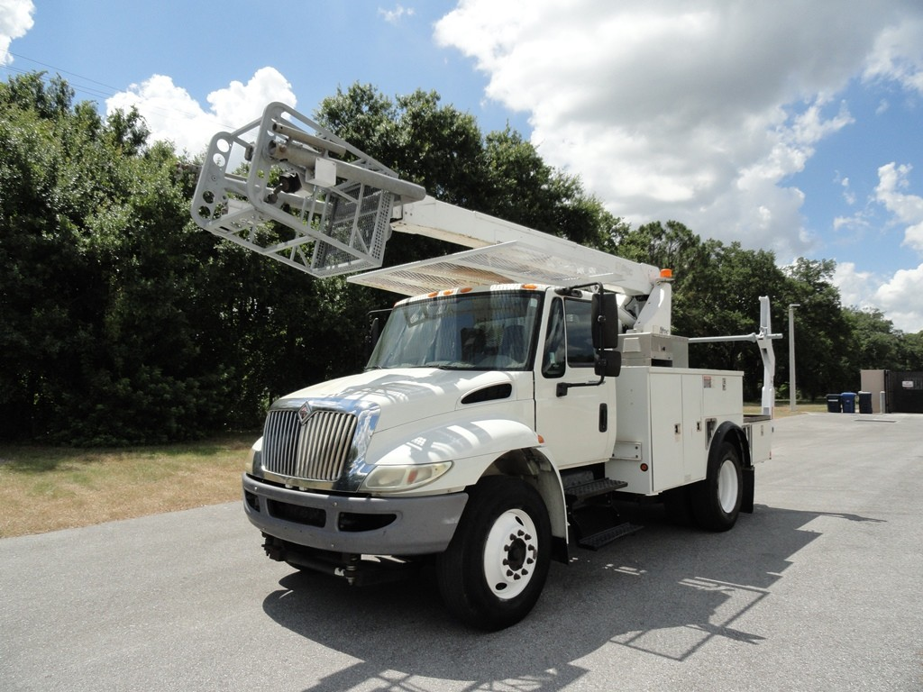 2008 INTERNATIONAL 4300 WITH ALTEC A40P CABLE PLACING BOOM & REEL LOADER