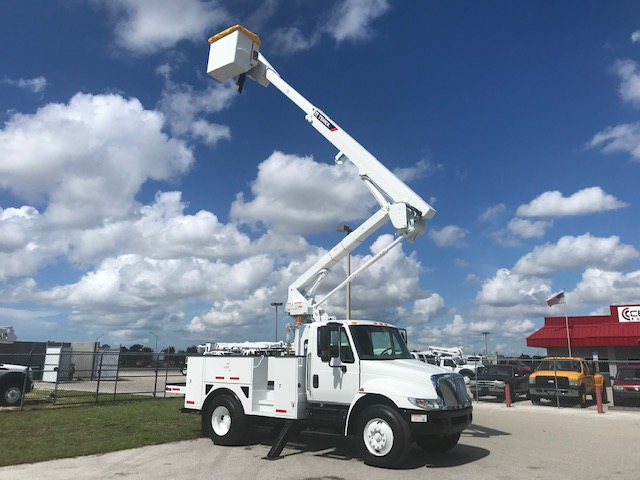 STOCK # 33083  2013 INTERNATIONL 4300 50FT 2 MAN BUCKET TRUCK W/ MAT HNDLR