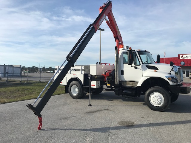 STOCK # 44371  2008 INTERNATIONAL 7300 4X4 14,970 LB KNUCKLE BOOM