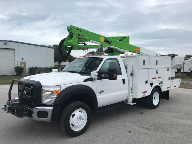 STOCK # 87916  2014 FORD F550 4X4   45FOOT BUCKET LIFT