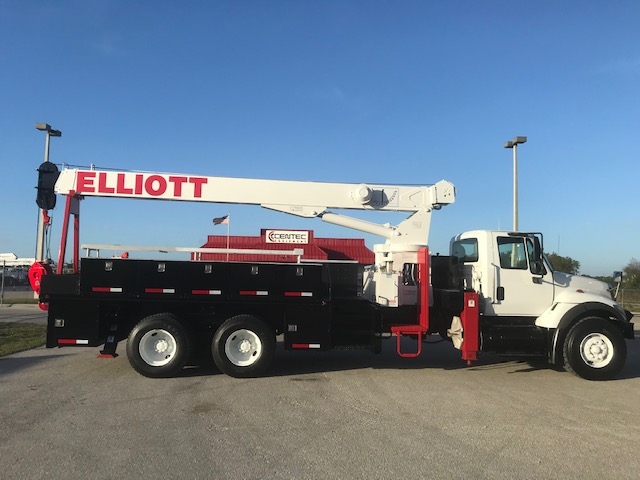 **SOLD** STOCK # 04510  2007 INTERNATIONAL 7500 6X4 18-TON ELLIOTT CRANE