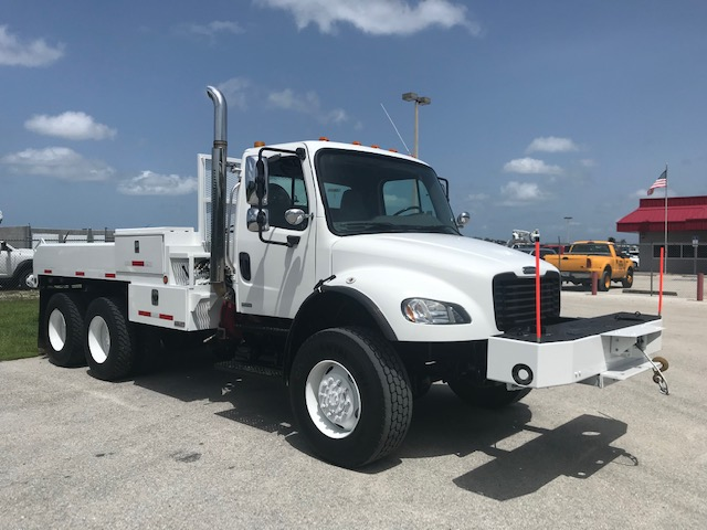 STOCK #87323  2007 FREIGHTLINER M2 106 6X6 12FT FLATBED TRUCK