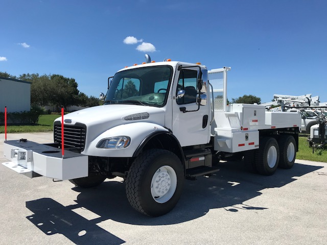 STOCK # 87324  2007 FREIGHTLINER 6X6 FLATBED