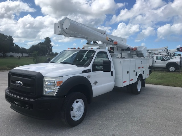 STOCK # 38025  2011 FORD F550 4X4 42FT OVER CENTER BUCKET TRUCK