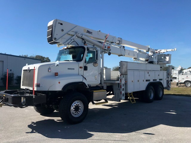 STOCK # 33470  INTERNATIONAL 5600i 6X6 85FT 2 MAN BUCKET LIFT