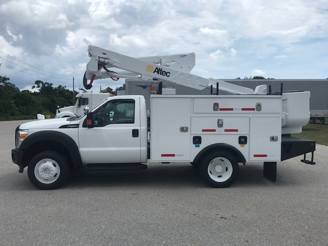 STOCK # 37699  2014 FORD F550 4X4 42 FT BUCKET TRUCK